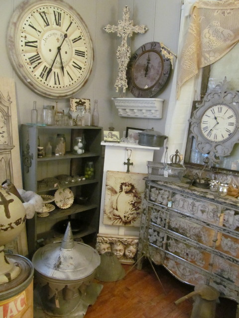 Lots of goodies - Living Vintage