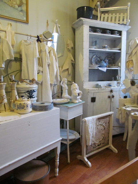 Fun room to explore at Pandora's Box - Living Vintage