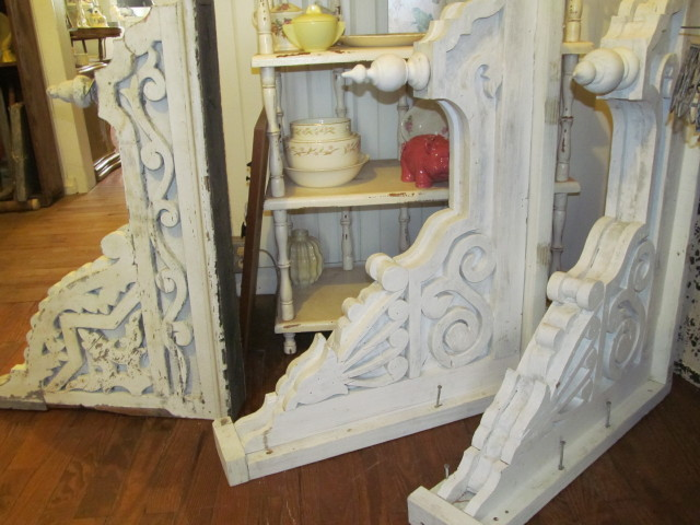 Choosing between two sets of corbels - Living Vintage