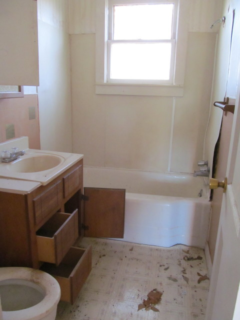 bathroom cabinet to be donated