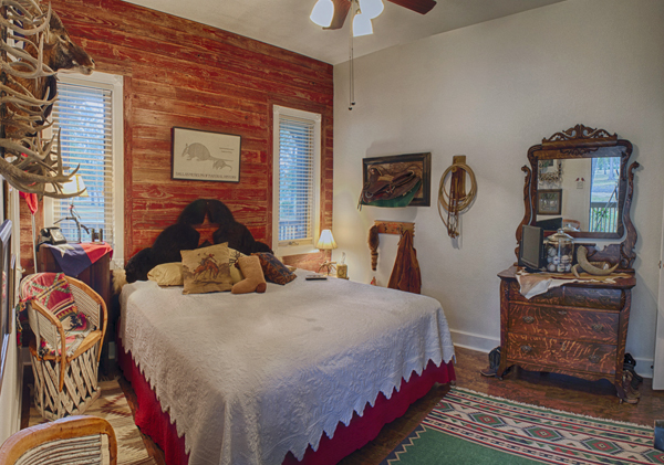 The Texan Suite at Country Star Bed and Breakfast
