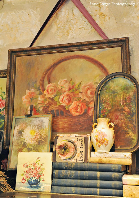 collection of vintage floral paintings - featured on Living Vintage's Friday Favorites