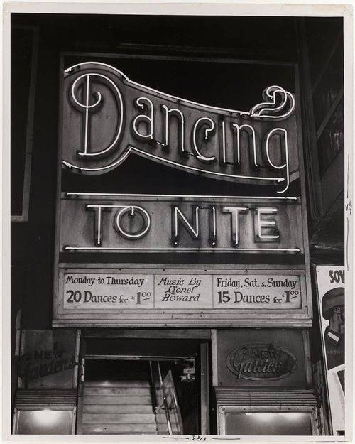 dancing tonite sign - featured on Living Vintage