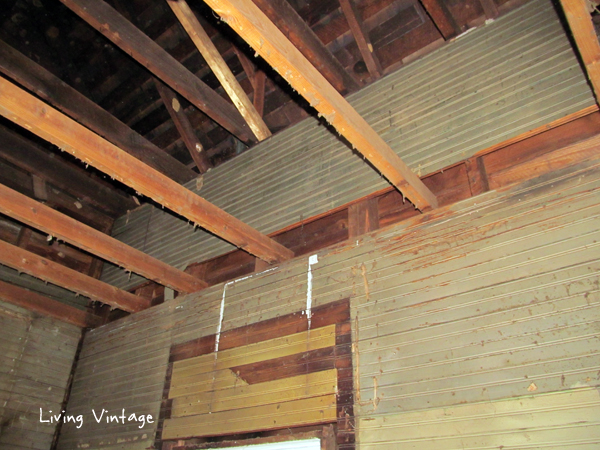 the dropped ceiling and green beadboard in the kitchen - Living Vintage