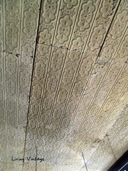 a gorgeous tin ceiling spotted in an old store in Fredericksburg - Living Vintage