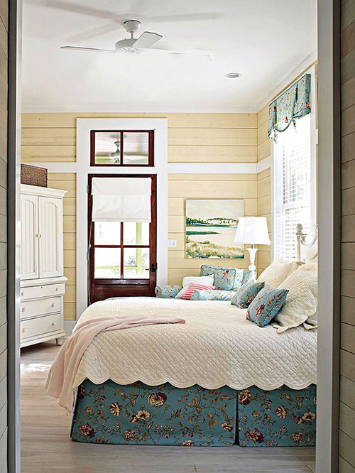 Friday favorites 25 living vintage for Country bedroom designs