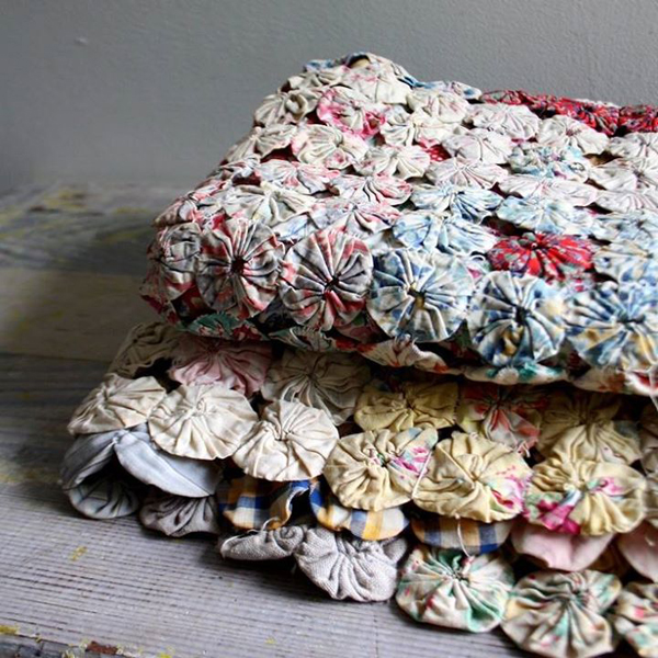 yo yo quilts are a personal favorite - one of 8 picks for this week's Friday Favorites - Living Vintage
