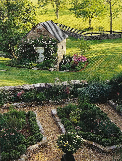 I tend to like gardens on the more formal side - one of 8 picks for this week's Friday Favorites - Living Vintage