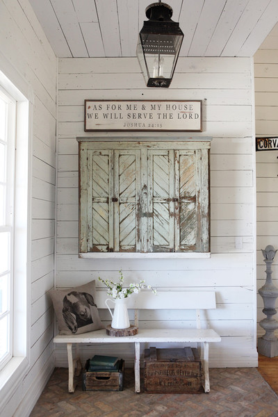 a beautiful entryway - one of 8 picks for this week's Friday Favorites - Living Vintage