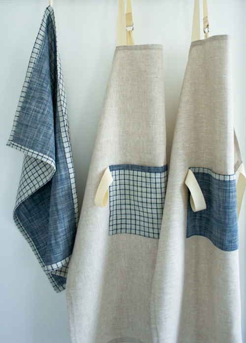 a simple linen apron (it's a sewing tutorial) - one of 8 picks for this week's Friday Favorites - Living Vintage