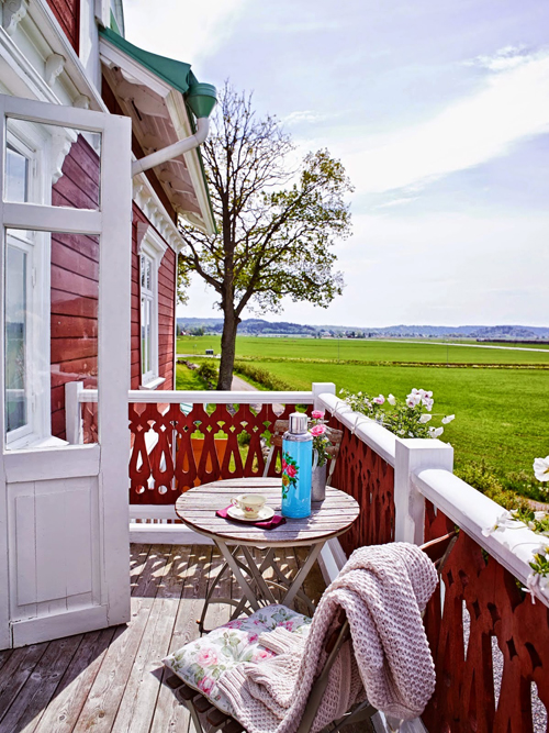 beautiful porch railing and a gorgeous view - one of 8 picks for this week's Friday Favorites