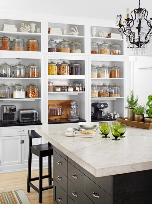 open shelving (a must for any kitchen) - one of 8 picks for this week's Friday Favorites - Living Vintage