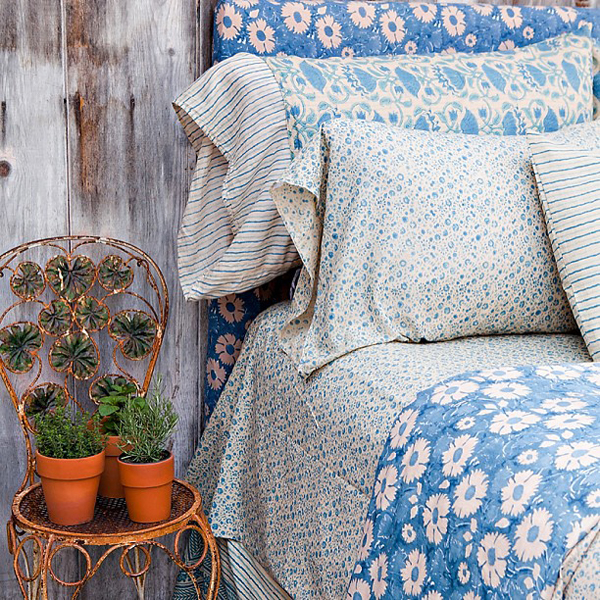 such pretty floral sheets - one of 8 picks for this week's Friday Favorites