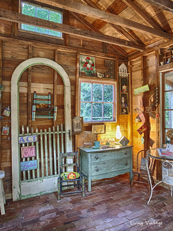 Jenny's adorably decorated garden shed | Living Vintage