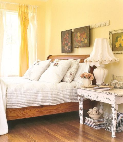 a wonderful, cheerful country bedroom - one of 8 picks for this week's Friday Favorites