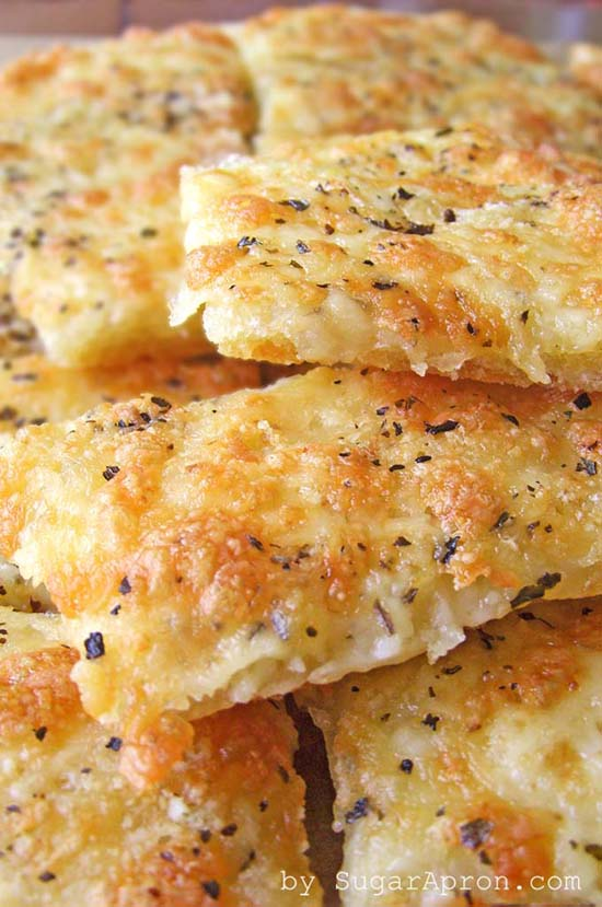 a recipe for easy, cheesy garlic breadsticks that I must try soon! - one of 8 picks for this week's Friday Favorites
