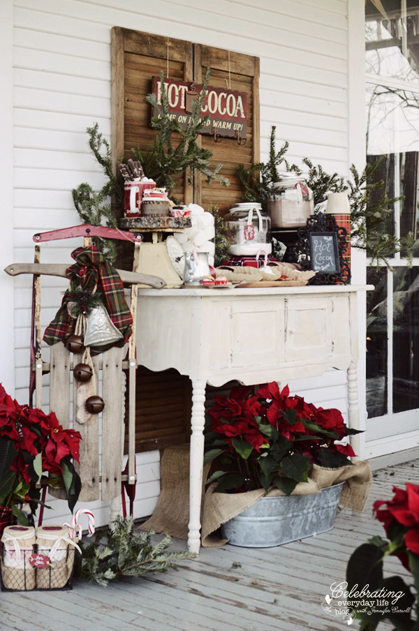 a festive way to welcome guests to a Christmas party - one of 8 picks for this week's Friday Favorites