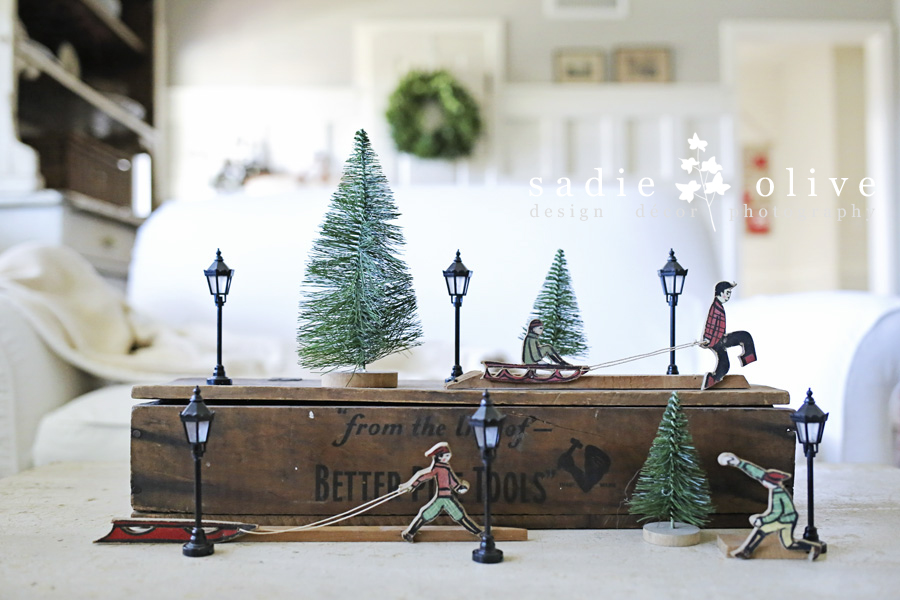 a sweet little Christmas vignette - one of 8 picks for this week's Friday Favorites