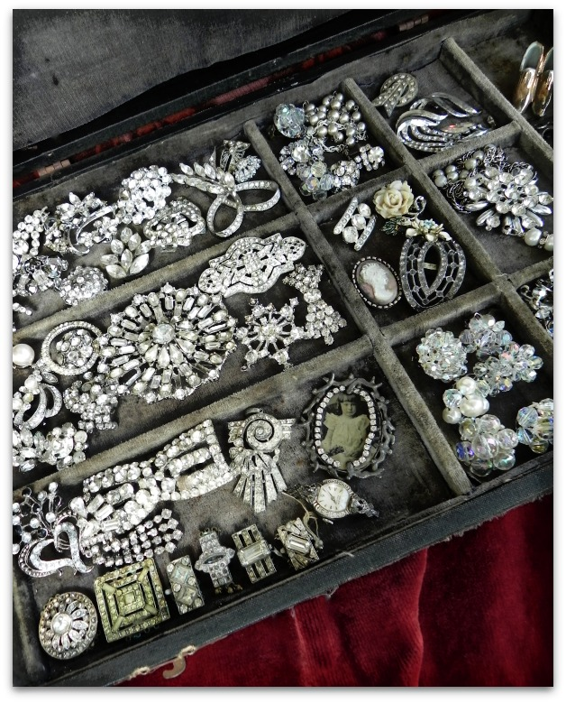 a fabulous collection of vintage rhinestone jewelry - one of 8 picks for this week's Friday Favorites