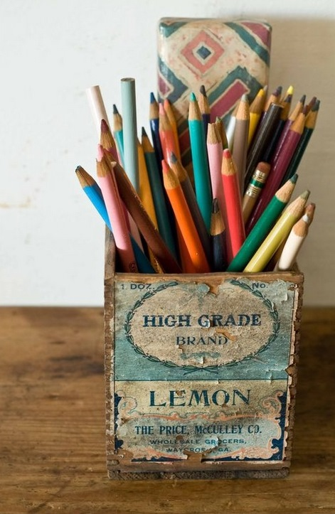 a pretty, vintage way to corral pencils - one of 8 picks for this week's Friday Favorites