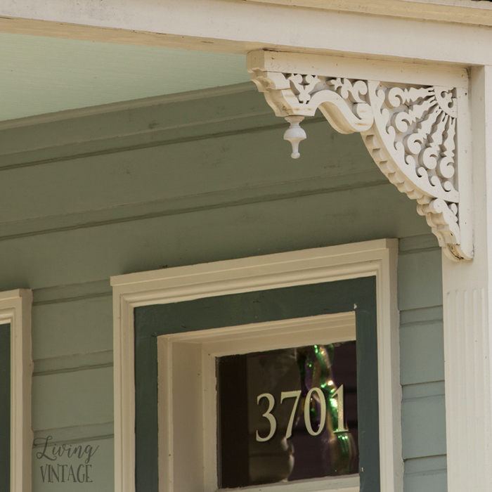 one of the beautiful corbels we spotted in New Orleans - hop over to Living Vintage to see more!