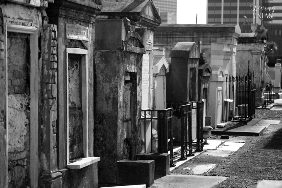 the haunting cemeteries in New Orleans