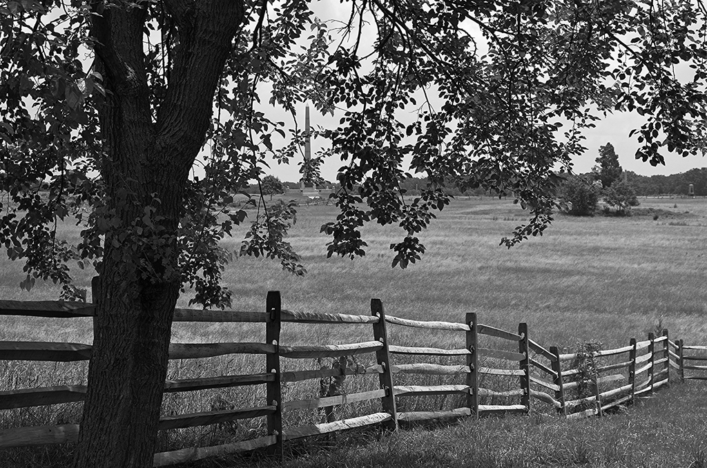 a lovely split rail fence at a Civil War battlefield - 1 of 8 picks for this week's Friday Favorites