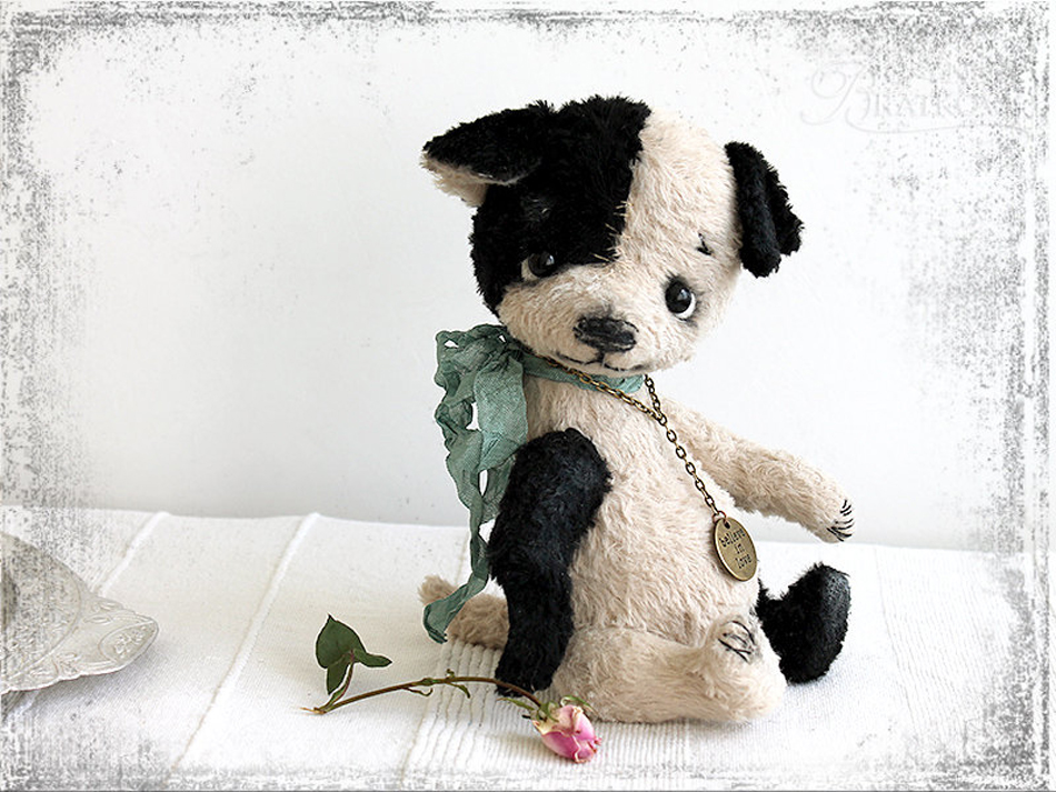 an adorable handmade bear - one of 8 picks for this week's Friday Favorites