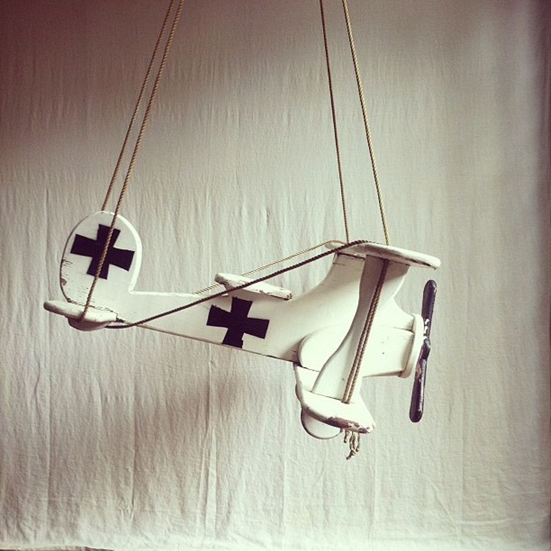 a fun little child's swing - 1 of 8 picks for this week's Friday Favorites