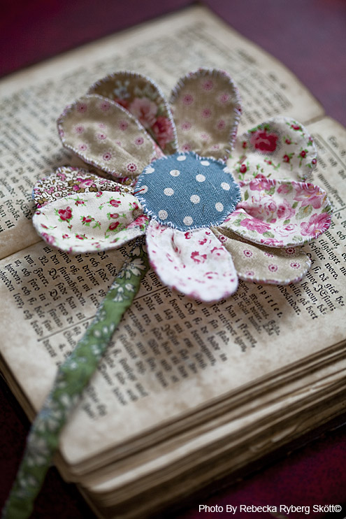 a pretty handmade flower that's also a bookmark - 1 of 8 picks for this week's Friday Favorites