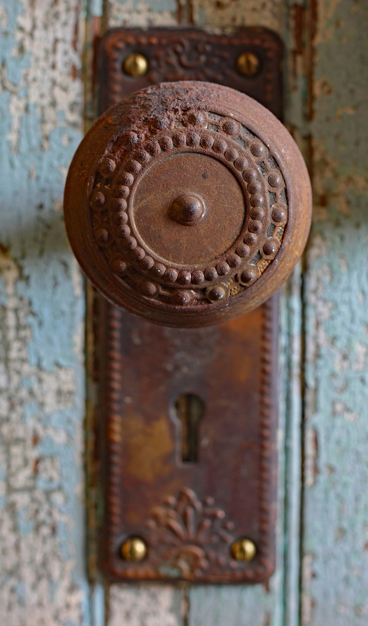 pretty vintage detail - 1 of 8 picks for this week's Friday Favorites