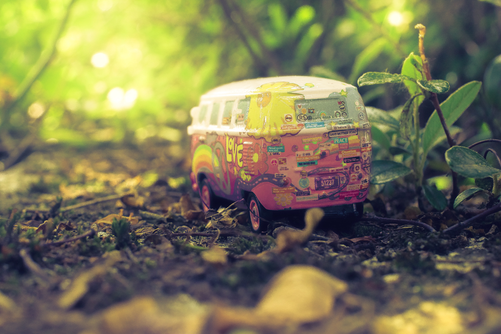 a sweet little hippie van explored the wild blue yonder - 1 of 8 picks for this week's Friday Favorites