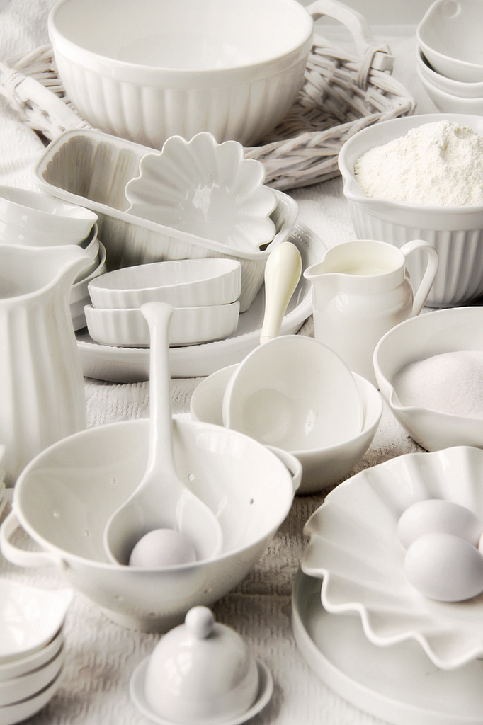 a collection of pretty white dishes - 1 of 8 picks for this week's Friday Favorites