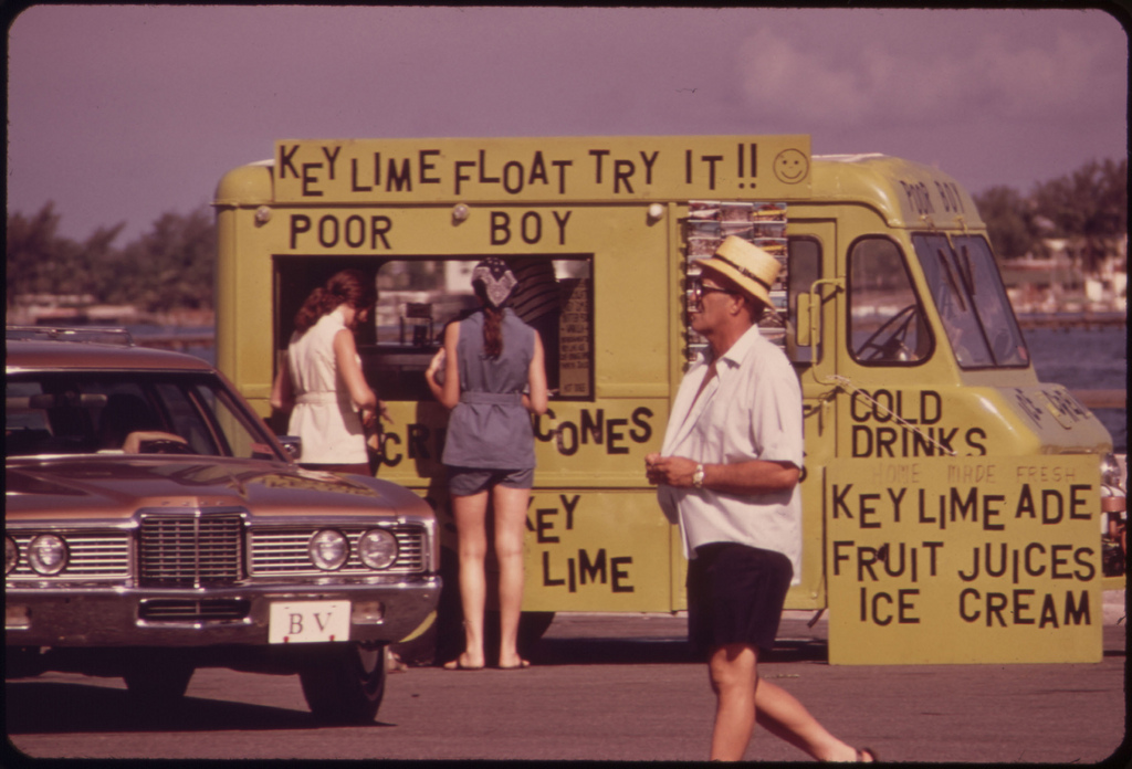 a really cool food truck, circa 1975