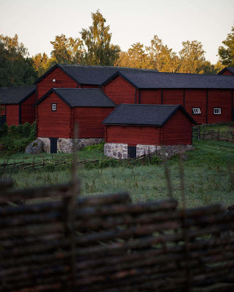 barn red ... or barns red, as the case may be