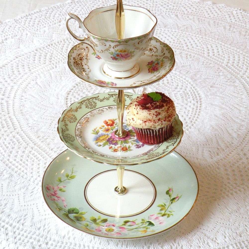 an excellent and fun way to repurpose vintage cups and saucers